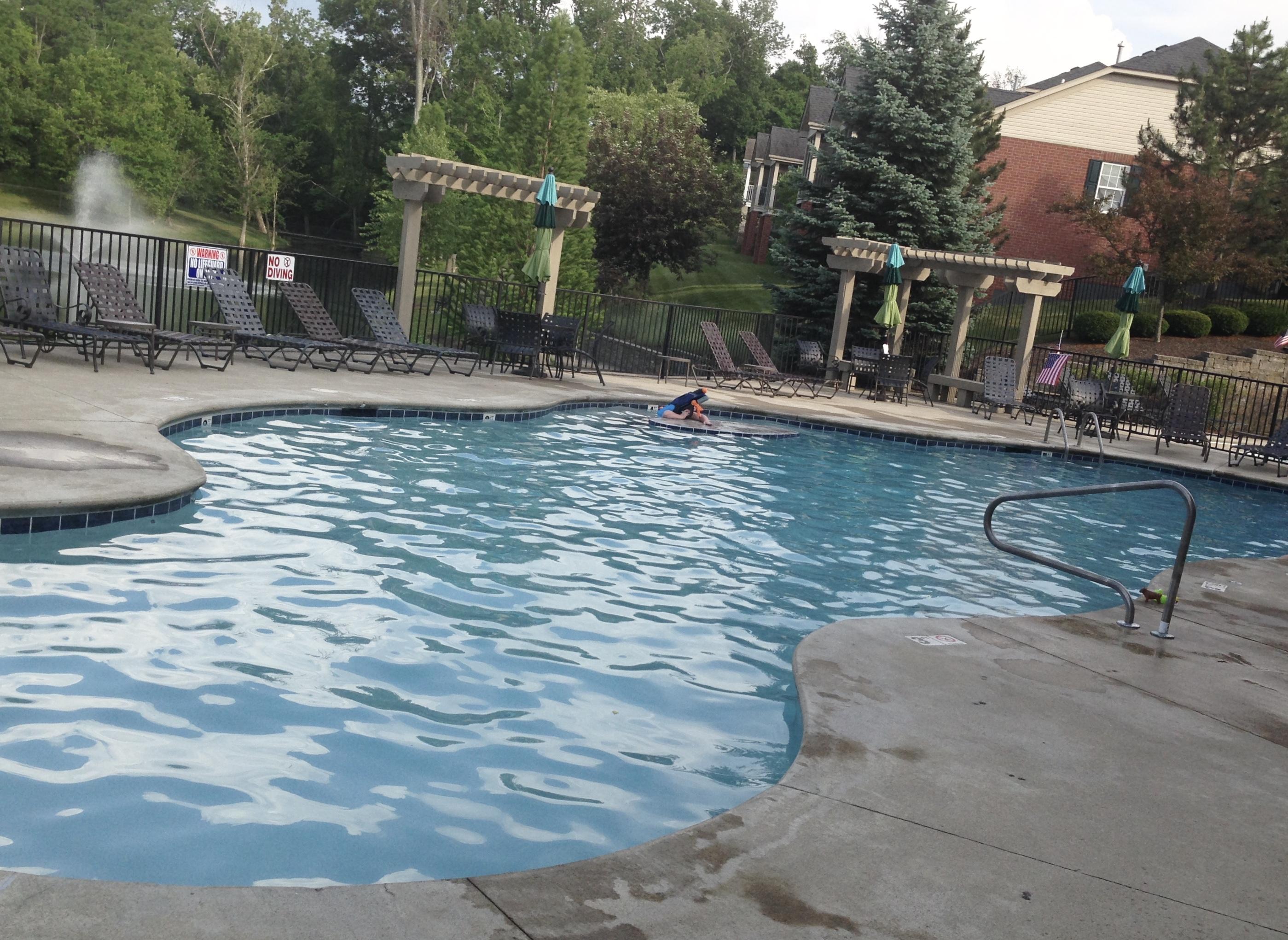 Pool-Community