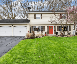7923 Jolian Dr Montgomery, OH Home For Sale